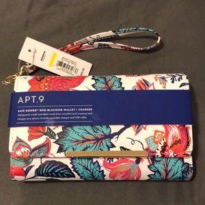 Apt. 9 Bags - NWT Floral Wristlet